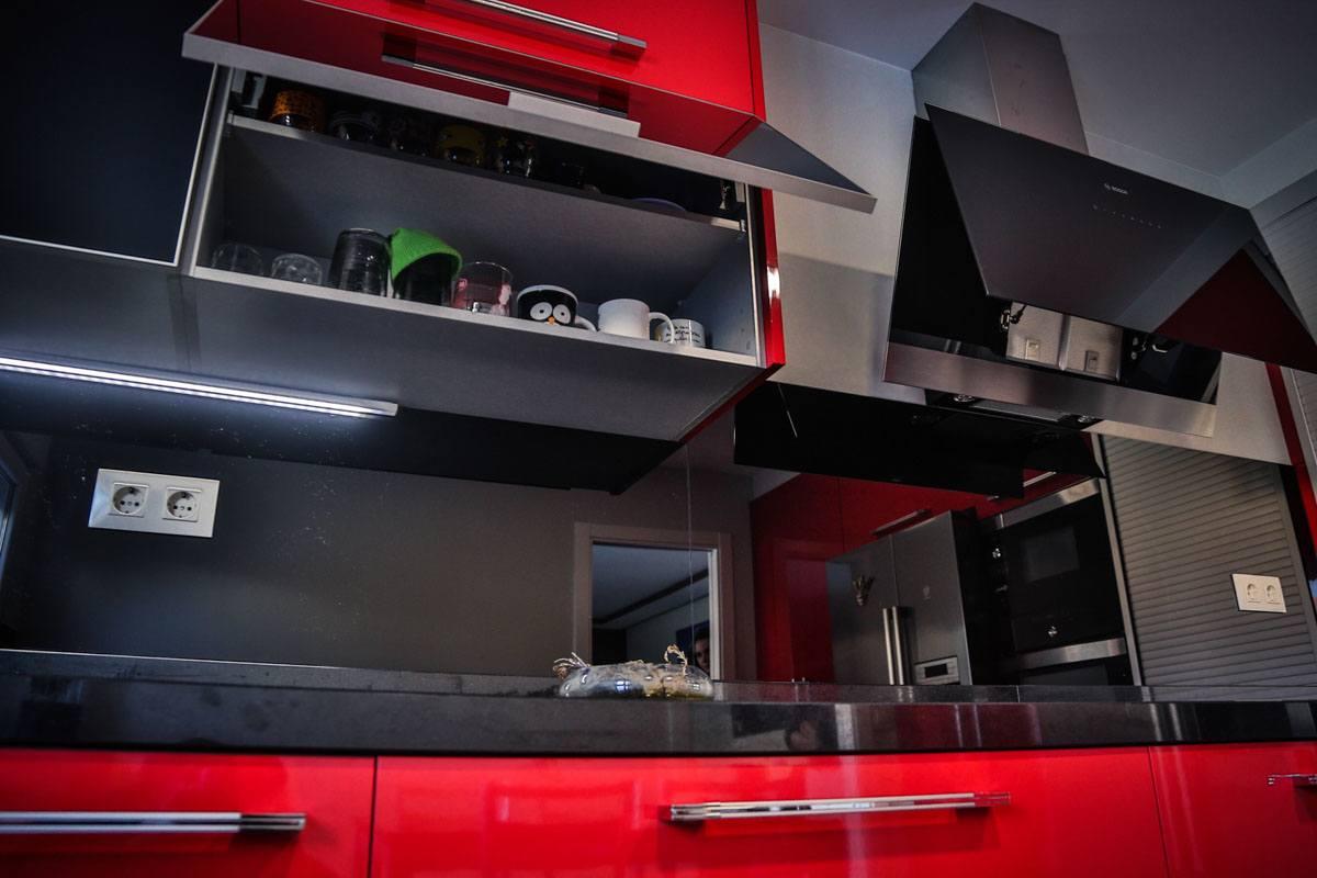 montaje-cocina-moderna-roja-camarinas-00006